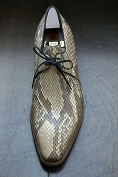 Pierre Corthay: Arca's in Croco and Phyton Mens Shoes Boots, Shoe Boots, Tap Shoes, Me Too Shoes, Men Dress, Dress Shoes, Gentleman, Snake Skin Shoes, Derby