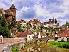 Ever dream of exploring wine country in France? Exploring France in a different way allows you to see France as a real local. Burgundy France is on… The Places Youll Go, Places To Go, La Roque Gageac, Giverny France, Burgundy France, European Road Trip, Tours France, Beaux Villages, Medieval Town