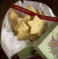 Mum's Christmas Shortbread and The Pageant - Hotly Spiced