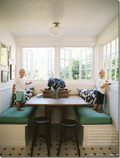 Loving this breakfast nook... the kids are cute too! #bench #custom #kitchen