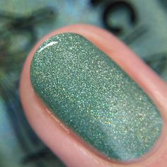 Nail Polish Society>> 15 Gorgeous Green Nail Polishes for St. Patrick's Day