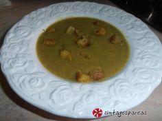 """Σούπα """"βάλσαμο"""", με μπρόκολο, πράσο και πατάτες"""