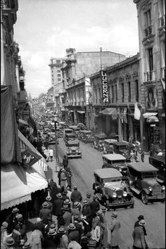 Chile. Calle ahumada,  Santiago de Chile, 1925 Cerro Santa Lucia, Iglesia San Francisco, Chili, Cities, Equador, Lima Peru, Historical Pictures, City Streets, Abandoned Places