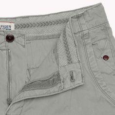 stitch details for chino / utilitarian pants Men Trousers, Trouser Pants, Dockers, Slim Fit Chinos, Denim Jeans Men, Menswear, Hilfiger Denim, Stone Island, Mens Fashion