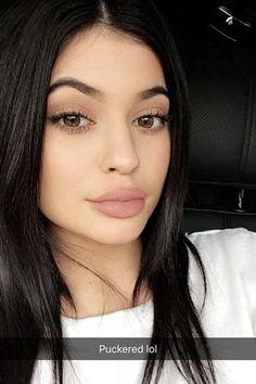 Une décoloration cheveux pour Kylie Jenner
