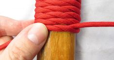 Paracord is one of the essentials of life. DG How to make a paracord handle wrap. A few tips. Paracord Knife Handle, Walking Sticks And Canes, Walking Canes, Rope Knots, Paracord Bracelets, Paracord Ideas, Knot Bracelets, Survival Bracelets, Diy Bracelet