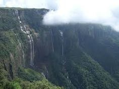 Barehpani Falls Orissa, A chain of 12 waterfalls makes this a spectacular sight. www.eminenttours.com