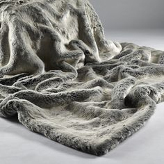 Alaska Fox Luxury Fur Throw With Suedette Reverse   To Use On Sofas, Beds,