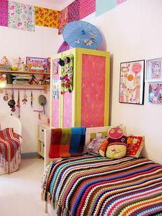 La frise au bord du plafond: pattern-mix & colorful art...luvv.