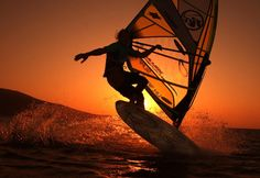 Surfing holidays is a surfing vlog with instructional surf videos, fails and big waves Windsurfing Board, Wind Surf, Surfing Tips, Sup Surf, Water Photography, Action Photography, Kitesurfing, Big Challenge, Big Waves