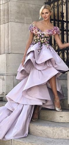 Floral Fashion, Fashion Design, Gown Suit, Gowns Of Elegance, Elegant Gowns, Designer Gowns, Marchesa, Couture Dresses, Beautiful Gowns