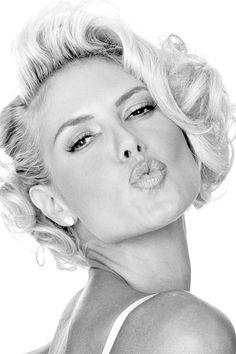 Heidi Klum A kiss is just a kiss...