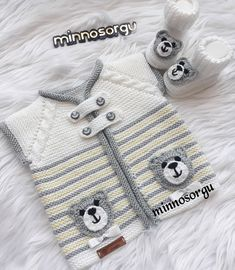 Baby Boy Knitting Patterns, Crochet Vest Pattern, Knitting For Kids, Crochet For Kids, Diy Crochet, Diy Sock Toys, Kit Bebe, Newborn Crochet, Knitted Slippers