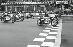 Santiago Herrero, Ossa, 16, second row, The Hero.Less than 40 HP to fight with Yamaha, with more than 60 HP.Monza on bikesan exercise in brave all out draftingif your engines lasted. Source: MotosportRetro