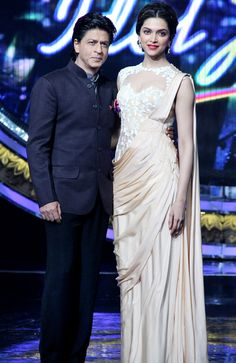 Shah Rukh Khan and Deepika Padukone on the sets of Indian Idol Junior. #Bollywood #Fashion