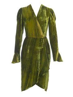 burda style, Schnittmuster - Wickelkleid aus gebatiktem Seidenpannesamt mit mit Kräuseln an der Schulter und Godets. Nr. 112 A aus 10-2015