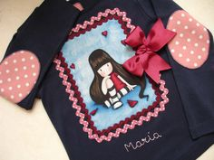 Camiseta Gorjuss María 3 Purses, Sewing, Children, Pink, Crafts, Closet, Shirts, Quilt Cover, Baby Dolls