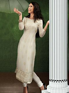 http://www.silkmuseumsurat.in/salwar_kameez/enchanting-embroidered-georgette-churidar-suit