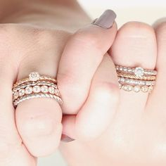 There is no better way to celebrate friendship than by wearing matching rings. Swap a twisted ring for a diamond beaded ring with your best friend to get a different combination. Sharing is caring! #matchingalliances #combinationrings #combination #mixandmatch #jewellery #diamond #diamondjewellery #diamondrings #stackingrings #stackablerings #giftidea #party #red #lipstick #BAUNAT #SmartInEveryWay #handmade #handmadejewelry #Antwerp #AntwerpCity #MadeInAntwerp #friendship…