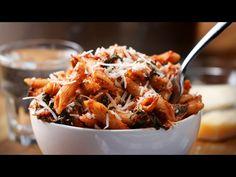 One-Pot Spinach Chicken Pasta