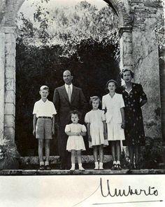 König Umberto II. von Italien mit seiner Familie, King of Italy with his family  #TuscanyAgriturismoGiratola