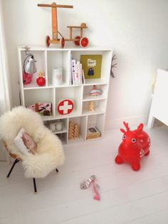 great Scandinavian kids digs...