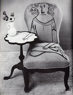 Tämä hauska idea huonekalujen tuunaamiseen löytyi Improvised Life -blogista.