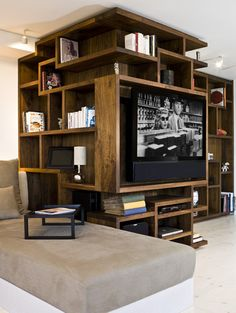 Wow! Super place for living room organization.