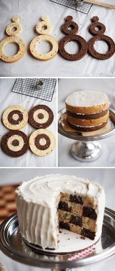 30 Surprise-Inside Cake and Treat Ideas! surprise 30 Surprise-Inside Cake and Treat Ideas! surprise 30 Surprise-Inside Cake and Treat Ideas! Just Desserts, Delicious Desserts, Dessert Healthy, Checkered Cake, Surprise Inside Cake, Checkerboard Cake, Cake Recipes, Dessert Recipes, Cake Decorating Tips