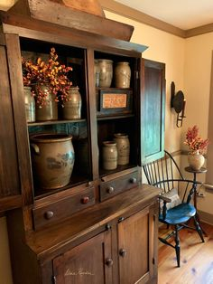 10 Awesome Wooden Cabinet Designs For Dining Room 031 - Kitchen Inst Decor, Primative Decor, Colonial Home Decor, Primitive Dining Room, Cabinet Decor, Home Decor, Primitive Decorating Country, Country House Decor, Primitive Furniture