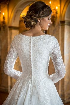 Modest Wedding Dresses With Sleeves, Gowns With Sleeves, Long Wedding Dresses, Modest Dresses, Catholic Wedding Dresses, Long Sleeve Bridal Dresses, Simple Wedding Gowns, Wedding Ideas, Romantic Weddings