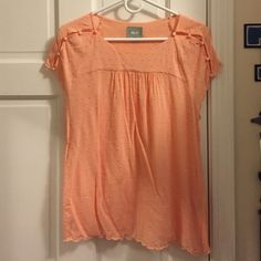 Anthropologie coral cotton top Maeve for Anthropologie top, worn once. Pretty scalloped hem and delicate knotting details. Button sleeve. Anthropologie Tops Tees - Short Sleeve
