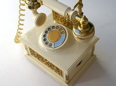 70s Novelty AM Radio Vintage French Provincial Style Faux Princess Phone