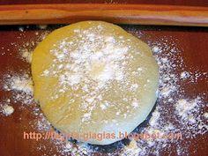 Χωριάτικο φύλλο για πίτες με μαγιά - από «Τα φαγητά της γιαγιάς»