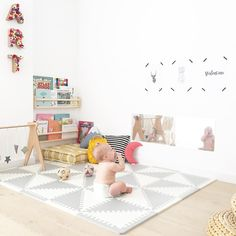 How To Create a Montessori Room – The Prepared Environment From 1 Years – Fred, Ted and Company Baby Bedroom, Baby Room Decor, Nursery Room, Montessori Toddler Rooms, Montessori Bedroom, Baby Room Design, Playroom Design, Bebe Love, Baby Play Areas