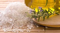 Epsom Salt & Apple Cider Vinegar Foot Bath Recipe That REVERSES Foot Pain, Remove Fungus & Odor