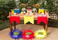 Tem coisa mais bonita do que festa junina?Eu amo essa comemoração tão típica do nosso país, cheia de cores, sabores, fogueira! Party Decoration, Table Decorations, Farm Party, Diy Party, Party Ideas, Event Planning, Party Time, Diy And Crafts, Happy Birthday