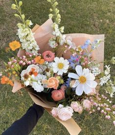 Spring Aesthetic, Nature Aesthetic, Flower Aesthetic, My Flower, Beautiful Flowers, Arte Floral, Pretty Pictures, Planting Flowers, Floral Wreath