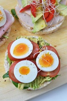 Super Healthy Sunday: rijstwafels als lunch – OhMyFoodness – Food And Drink Healty Lunches, Healthy Recepies, Lunch Snacks, Healthy Drinks, Healthy Cooking, Healthy Snacks, Healthy Eating, Quick Healthy Breakfast, Food Inspiration
