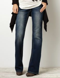 Motherhood Maternity Wallflower Secret Fit Belly(r) Flap Pocket Boot Cut Maternity Jeans
