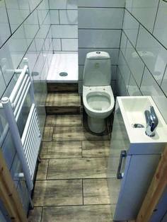 Trendy bathroom tub with tile interior design 21 ideas Tiny House Bathroom, Wood Bathroom, Bathroom Design Small, Bathroom Layout, Bathroom Colors, Bathroom Flooring, Bathroom Interior, Master Bathroom, Bathroom Ideas