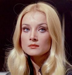 Hollywood Makeup, Old Hollywood Stars, Blonde With Blue Eyes, Barbara Bouchet, Italian Hair, 60s Hair, Prettiest Actresses, Italian Actress, Vintage Beauty