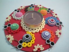 Quilling Patterns, Quilling Designs, Paper Quilling, Hobbies And Crafts, Fun Crafts, Arts And Crafts, Tea Light Candles, Tea Lights, Craft From Waste Material