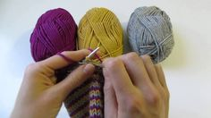 In this video, I demonstrate the technique of helix knitting. Helix knitting involves working several yarns in continuous spirals, which creates jogless stripes and avoids the need to carry yarn floats up several Knitting Help, Knitting Videos, Loom Knitting, Knitting Stitches, Knitting Socks, Knitting Projects, Knitted Hats, Knitting Tutorials, Knitting Patterns