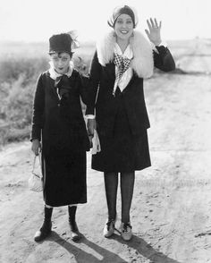 Marion Byron (left) and Anita Garvin in Feed 'em and Weep (1928).
