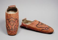 Pair of man's slippers, Morocco, late 18th century.