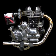 Unique Harley Davidson engine with Ducati heads Antique Motorcycles, American Motorcycles, Cars And Motorcycles, Classic Motors, Classic Bikes, Harley Davidson Engines, Motorbike Parts, Enfield Motorcycle, Royal Enfield Bullet