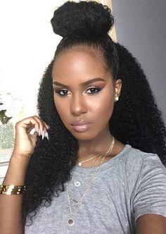{Grow Lust Worthy Hair FASTER Naturally with Hair Trigger} Glam twin Kelsey and her beautiful natural hair! Pelo Natural, Natural Curls, Big Natural Hair, Thick Hair, Natural Beauty, Style Afro, Curly Hair Styles, Natural Hair Styles, Pelo Afro