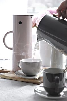 Moments with Stelton : Enjoying an afternoon coffee with friends or alone