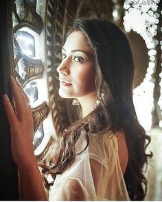 Surbhi Chandna / Annika no ishkbaaz# Beautiful Couple, Beautiful Women, Nakul Mehta, Qubool Hai, Surbhi Chandna, 11. September, Tv Actors, Editing Pictures, Celebs